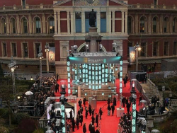 Red Carpet Rundown: BAFTAs 2017